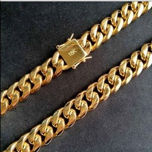 "18K Gold Cuban Link 30"" Chain Necklace"